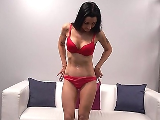 Mature lady came to the casting and showed off his perfect body on cam... cumshot casting films