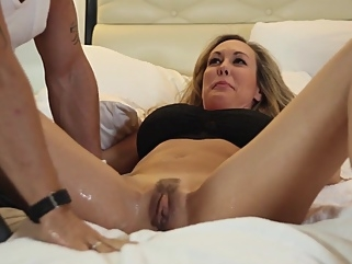 Brandi Love - Squirt female orgasm close-up films
