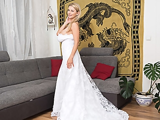 In My Wedding Dress And Some Surprise Under - KaterinaHartlova blonde big tits films