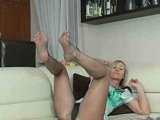 fetish blonde foot fetish