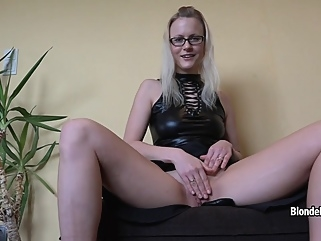 BlondeHexe - Xxl Dominante Wichsanleitung high heels fetish films