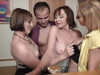 Sex party with desperate moms and single son mature blowjob films