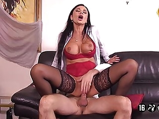 Ania Patrone De L'agence Immobiliere milf hardcore films