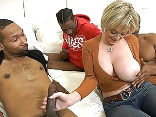Hot Cougar Wife Dee Williams Gets Pounded By BBC interracial blowjob films