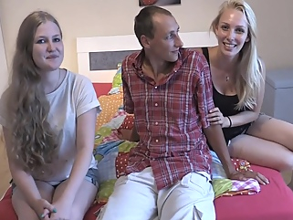 Two Horny Teens Fucking A Stranger - Julia18darf blonde big tits films