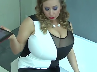 masturbation big tits shower