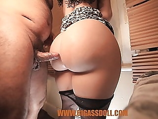 upskirt amateur massage