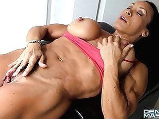 Denise FBB Big Clit muscular woman big clit films